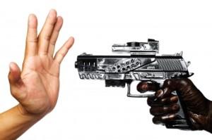 zbraň a ruka
